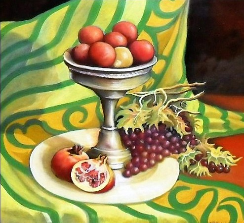 Tray with fruit